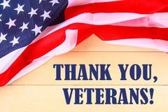 Concetto di U.S.A. Memorial Day con il calendario ed il papavero rosso di ricordo sulla bandiera americana di stelle e strisce Fotografia Stock