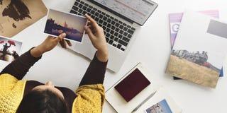 Concetto di vacanza di viaggio di programma di pianificazione della donna Immagini Stock