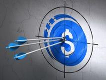 Concetto di valuta: frecce nell'obiettivo della moneta del dollaro sul fondo della parete illustrazione di stock