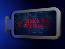 Concetto di vendita: Vendita black hat e testa con gli ingranaggi sul fondo del tabellone per le affissioni Immagini Stock Libere da Diritti