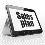 Concetto di vendita: Computer della compressa con il piano di vendite su esposizione Fotografie Stock
