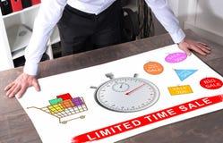 Concetto di vendita di tempo limitato su uno scrittorio immagine stock libera da diritti