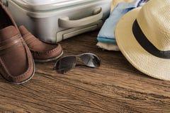 Concetto di viaggio, di vacanze estive, di turismo e degli oggetti Fotografie Stock