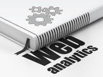 Concetto di web design: prenoti gli ingranaggi, analisi dei dati di web su fondo bianco Immagine Stock