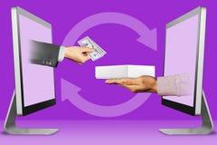 Concetto di web, due mani dai monitor mano con denaro contante e mano con il contenitore bianco di computer della compressa illus Immagine Stock