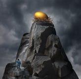 Concetto dorato dell'uovo di nido Fotografia Stock Libera da Diritti