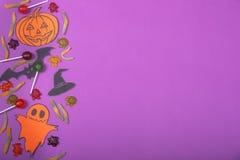 Concetto felice della carta di Halloween Tagliato della zucca di carta per una progettazione del partito Fotografia Stock