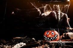Concetto felice di Halloween Trucco o ossequio immagine stock libera da diritti