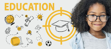Concetto grafico di apprendimento di computer del cappello di parola di istruzione Fotografia Stock