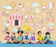 Concetto innocente dei giovani di divertimento dei bambini dei bambini Fotografia Stock Libera da Diritti