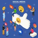 Concetto isometrico di media sociali I giovani comunicano a vicenda Rete sociale e blogging Progettazione piana di illustrazione vettoriale