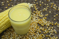 Concetto maturo del raccolto della natura dell'alimento del raccolto dell'azienda agricola del grano del latte del cereale Fotografia Stock