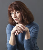 Concetto mentale del giudice per la donna sospettosa 50s Fotografia Stock Libera da Diritti