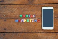 Concetto mobile di vendita con lo Smart Phone Immagine Stock Libera da Diritti