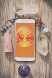Concetto moderno di astrologia con il cellulare fotografie stock libere da diritti