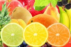 Concetto naturale sano fresco dell'alimento di frutti del fondo misto della fetta Immagini Stock