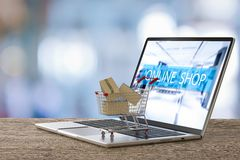 Concetto online di acquisto Fotografia Stock Libera da Diritti