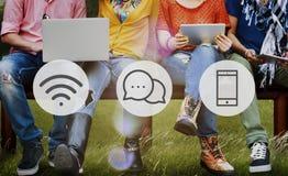 Concetto online di comunicazione di messaggio di tecnologia wireless Fotografia Stock Libera da Diritti