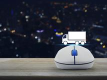 Concetto online di servizio del trasporto del camion di affari Immagini Stock Libere da Diritti