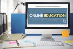 Concetto online di tecnologia di e-learning del homepage di istruzione immagini stock