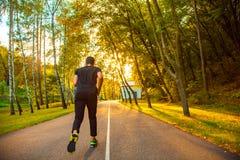 concetto pareggiante di benessere di allenamento di alba di forma fisica dell'uomo Fotografie Stock
