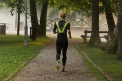 concetto pareggiante di benessere di allenamento di forma fisica della donna Immagine Stock Libera da Diritti