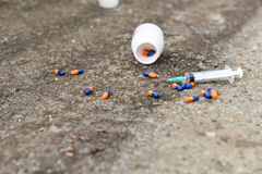 Concetto, pillole ed iniezione dell'overdose Fotografia Stock Libera da Diritti