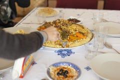 Concetto pronto della tavola di riunione di festa della famiglia Concetto dell'alimento della famiglia fotografia stock