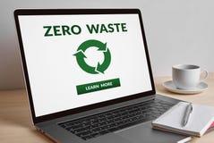 Concetto residuo zero sullo schermo di computer portatile moderno Fotografia Stock