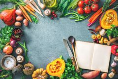 Concetto sano o vegetariano di nutrizione con la selezione del organi fotografia stock