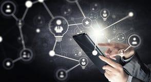 Concetto senza fili di nuova tecnologia e del collegamento Media misti Immagine Stock
