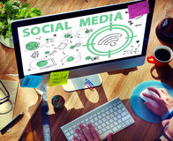 Concetto sociale di segnale WiFi di parola di media Immagini Stock