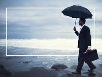 Concetto solo di Walking Beach Depression dell'uomo d'affari immagini stock libere da diritti