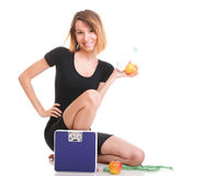 Concetto stante a dieta della giovane donna in buona salute del ritratto Fotografia Stock