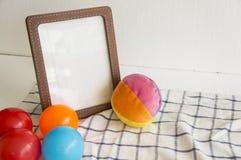 concetto variopinto del panno della palla del bambino dei bambini del giocattolo della cornice Immagini Stock Libere da Diritti