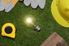 Concetto verde del risparmio energetico e della costruzione: projecj e lavoro della casa Fotografia Stock Libera da Diritti