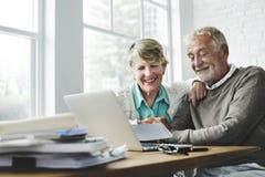 Concetto vivente di stile di vita senior delle coppie di pensionamento fotografie stock libere da diritti