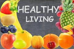 Concetto vivente sano di stile di vita dell'alimento di frutti del fondo misto della lavagna Immagini Stock Libere da Diritti