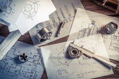 Concevoir les parties mécaniques par l'ingénieur Photo libre de droits