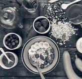 Concezione: Primo piano adeguato di vista superiore di nutrizione Prima colazione sana Immagini Stock Libere da Diritti