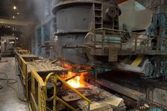 Concha de aço da concha com metal na carcaça metallurgy fotos de stock royalty free