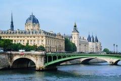 Conciergerie城堡在巴黎 免版税图库摄影