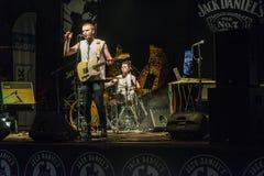 Concierto de la música rock fotos de archivo