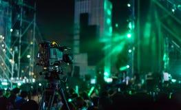 Concierto de registro el comenzar de la cámara de vídeo vivo fotografía de archivo libre de regalías