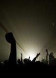 Concierto musical - cristiano - con adorar levantado de las manos Imagen de archivo