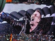 Concierto U2 en Milano Foto de archivo libre de regalías