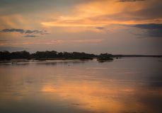 Conclusione del giorno alla riunione del parnaÃba dei fiumi e poty nel Brasile fotografia stock libera da diritti