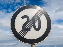 Conclusione del limite di velocità 20 fotografia stock libera da diritti