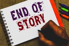 Conclusione del testo di scrittura di parola della storia Concetto di affari per Emphasize che niente aggiungere la tenuta della  fotografie stock