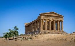Concordia świątynia w dolinie świątynie - Agrigento, Sicily, Włochy Zdjęcia Royalty Free
